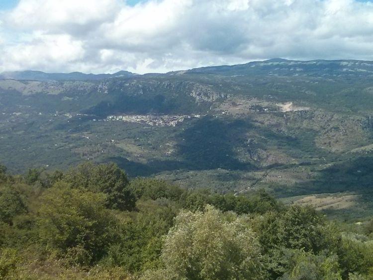 Le colline attorno Bellosguardo (SA)
